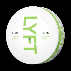 Om produkten LYFT Lime Strong Slim All White Portion LYFT Lime Strong Slim All White Portion innehåller vita, smakrika nikotinportioner utan tobak. Portionerna är tillverkade av fiber från eukalyptus och tall, med ett adderat nikotinextrakt som utvinns från tobak. Njut av doften från saftig lime – med en intensiv effekt. Känn sötman och syran i perfekt kombination med toner av citron och rivet limeskal. Fakta om produkten Varumärke Lyft Produkttyp All white portion Styrka Starkt Nikotinhalt 14 mg/g Innehåll/förpackning 16,8 g Snustyp Slim All White Stark Format Slim Producent BAT snushandel i nyköping ab